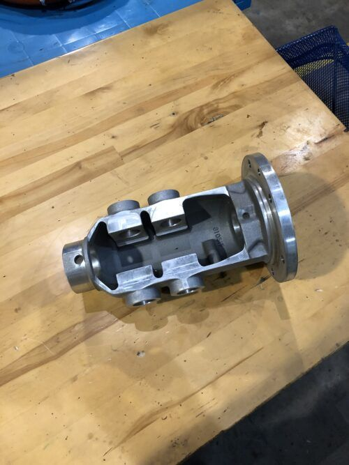310-517 G-26 camshaft housing 5Lbs. 8X8X12